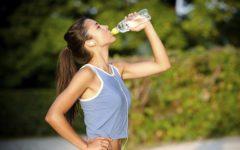 Пить воду в течение дня – как правильно, сколько, можно ли во время тренировки