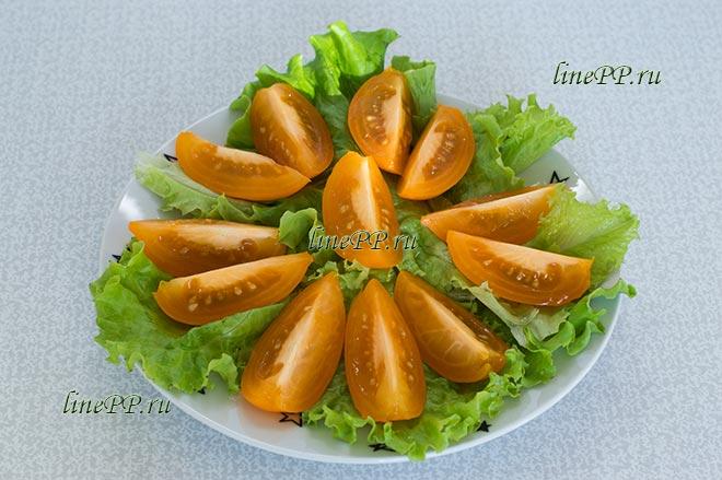 Листовой салат, помидоры