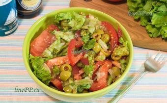 ПП салат из помидоров и листьев салата с сосевым соусом – постный рецепт
