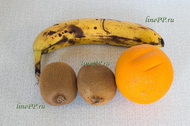 Смузи банан киви апельсин (фруктовый) в блендере