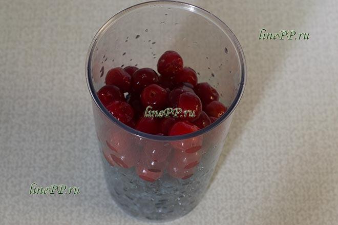 Фруктово-ягодный смузи с черешней